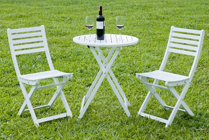 Round 2 Person Acacia Hardwood Bistro Setting in White